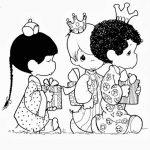 Niños disfrazados de reyes magos para c
